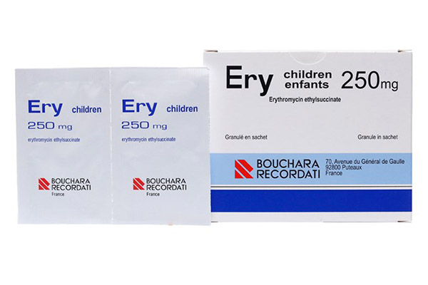 Thuốc trị gà bị khò khè là loại Ery. Đây là thuốc kháng sinh cho trẻ em có thể hiệu quả với gà.